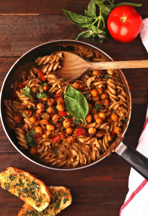 Tomato Basil Pesto Pasta With Chickpeas 2